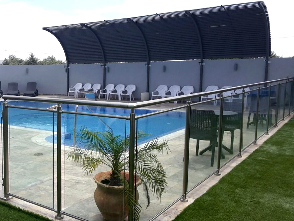 SWIMMING POOL RAILINGS